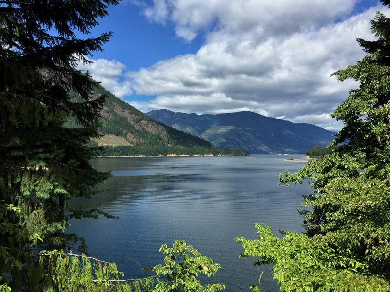 Splodz Blogz Zartusacan, Vancouver Island, Lake