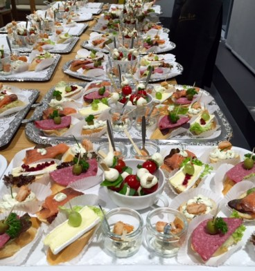 S+T Event_Catering_Canapes_Tagung_Flying Buffet