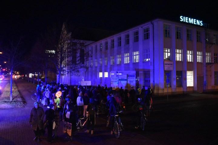Siemens im Fadenkreuz: Von Fridays for Future kritisiert