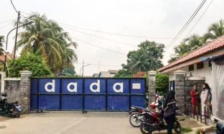 RIBUAN PEKERJA PT DADA INDONESIA BERHARAP PERUSAHAAN TIDAK PAILIT