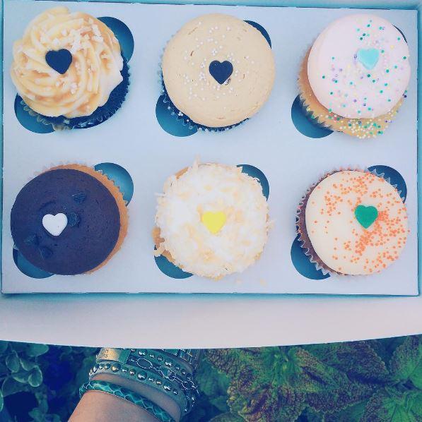 sweet frostings cupcakes