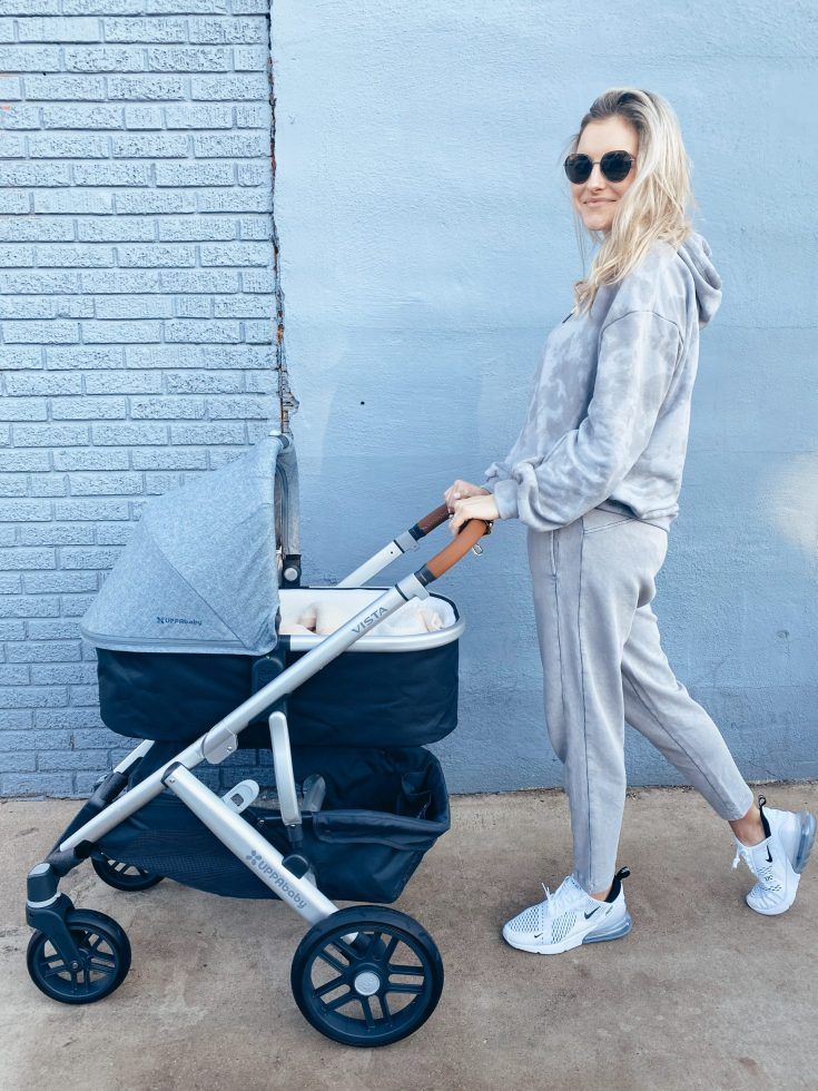 11 ITEMS EVERY 'ON-THE-GO' MOM SHOULD HAVE ON THEIR BABY REGISTRY