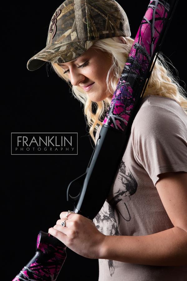 spokane senior photographer girl with shotgun