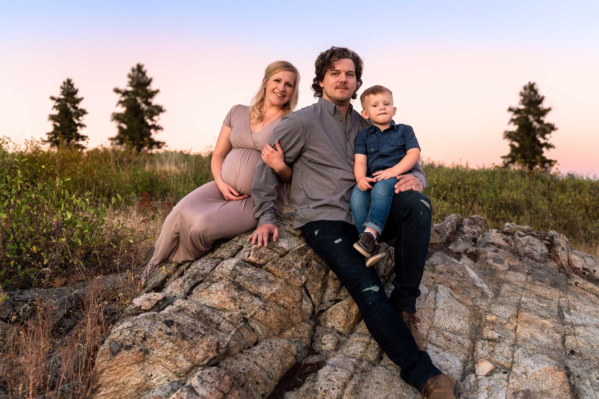 maternity photographer in Spokane, WA
