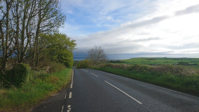 The A915 descent back down to St Andrews