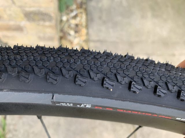 Vittoria Terreno Dry - The tread pattern