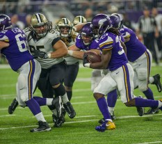 Dalvin Cook ran for a Vikings rookie record 127 yards