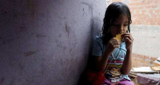 Lepszy sierociniec niż śmierć. Wenezuelczycy oddają dzieci, żeby nie umarły z głodu