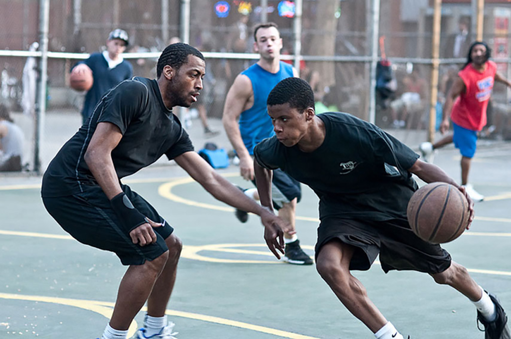 Streetball in New York City — Spoly