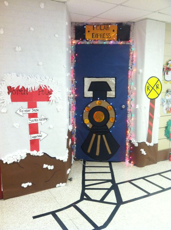 Gingerbread House Cubicle Decorating Ideas