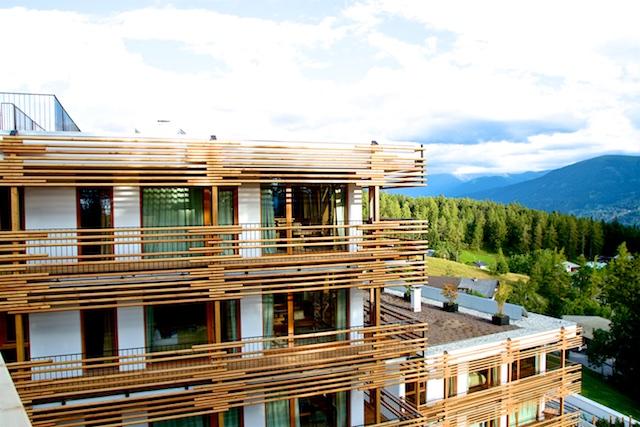 moesern-hotel-nidum-balkone