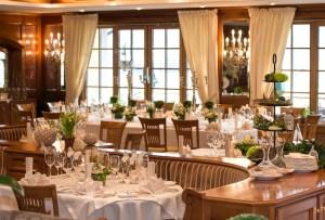 zugspitzregion_hotel_post_lermoos-restaurant-copyright-niederstrasser