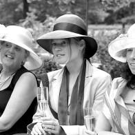 Spontane Fotografie dames met hoedjes