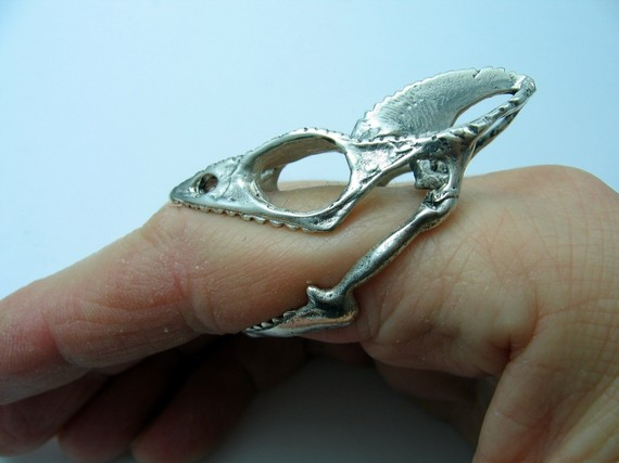 Life size chameleon skull ring. Nevermind, I want this instead.