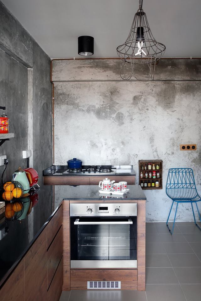 An Industrial and Eclectic Look for a 5room HDB Flat by