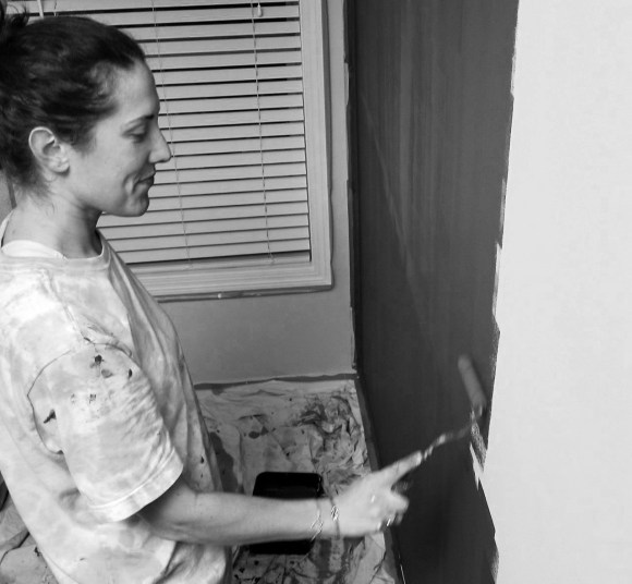 painting a chalkboard wall (black and white)