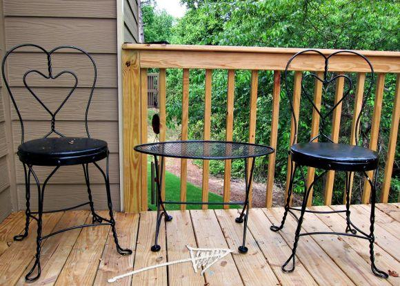 bad outdoor patio furniture