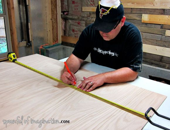 measuring_wood_to_cut