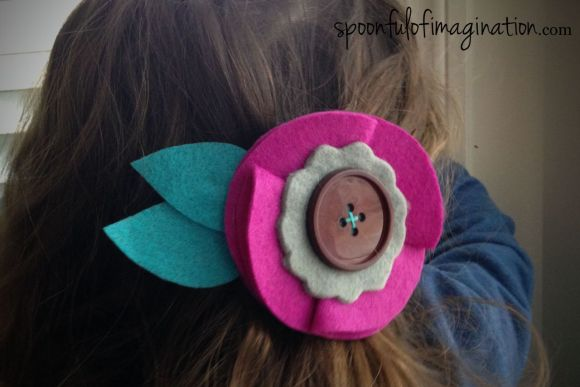little_girl_felt_hair_clip