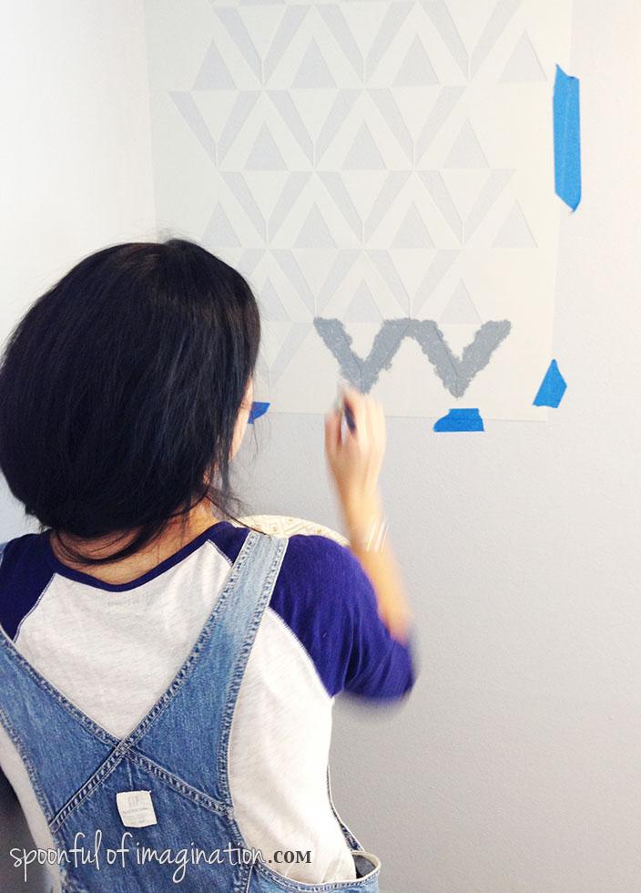 stenciling_a_wall