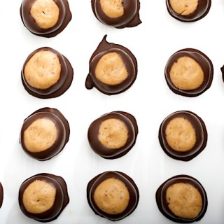 Dark Chocolate Peanut Butter Buckeyes (vegan)
