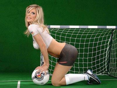 Les origines du football : un sport très pratiqué . Venez découvrir d'où le foot tire ses origines . Vous risquez d'être étonné.