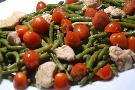 Salade haricots verts poulet tomates