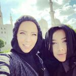 بالصور.. زوجات لاعبي ريال مدريد في مسجد الشيخ زايد