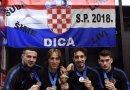 Zadarska dica s trofejem i medaljama