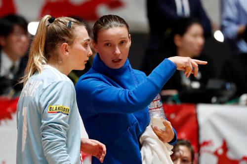 Handball WM 2019 - Frankreich - Amandine Leynaud und Roxanne Frank (re.) - Foto: FFHandball / S. Pillaud