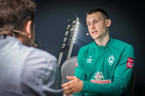 Maximilian Eggestein und SPORT1 Chefkolumnist Tobias Holtkamp - Copyright: Podcastbande I Thomas Kisza