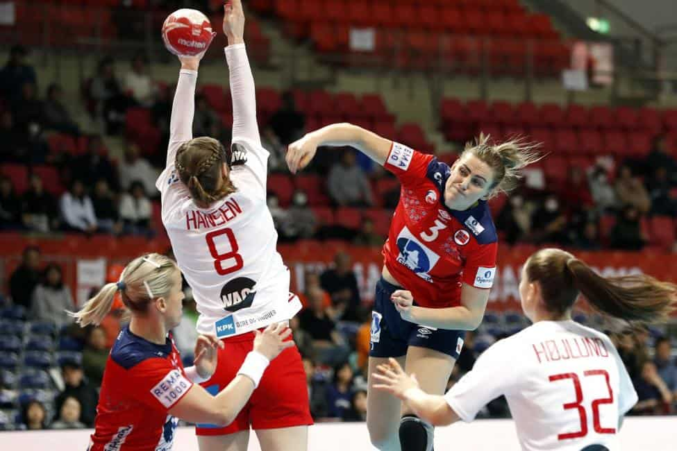 Handball WM 2019 - Emilie Arntzen (3) - Norwegen vs Dänemark - Copyright: IHF