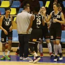 Un singur duel sub panou Arad - Cluj în weekend! Formația lui Petricevic s-a retras din Europa