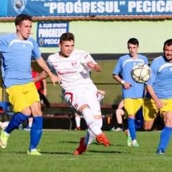 """Doar la ultima strigare în fața puștilor în """"alb-roșu"""": Progresul Pecica - UTA III  3-2"""