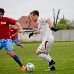 Bucurie înăbușită de accidentarea lui Tănasă: CS Glogovăț - UTA III  3-2