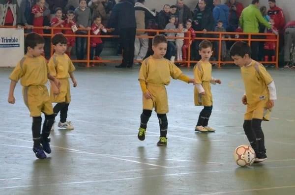 "Elevii claselor 0-2 joacă fotbal la ""Nicholas Indoor Cup"""