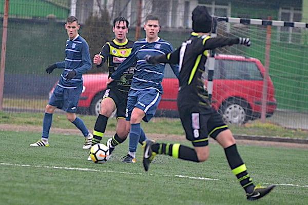 """Buleică s-a remarcat la primul amical al """"satelitului"""" roș-alb, Sabău - cu ochii pe juniorii veniți în probe: UTA U19 - Șoimii Lipova 2-2"""