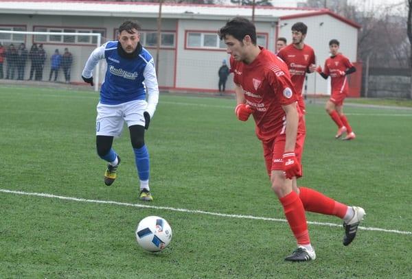 """Nici """"garnitura"""" secundă nu a ținut piept liderului Ligii a 4-a: UTA - Crișul Chișineu-Criș 0-2, +foto"""