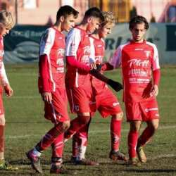 Tot în fotoliul de lider în Liga Elitelor: Centrul de Excelență Mureș - UTA Under 17  1-5