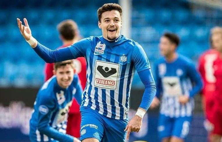 """""""Hattrick"""" pentru Adi Petre în tricoul lui Esbjerg"""