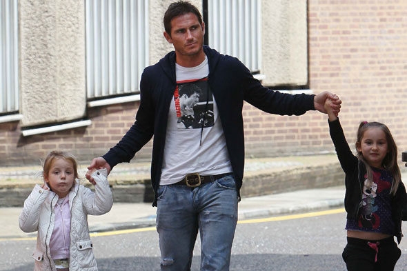 Frank Lampard with his daughters