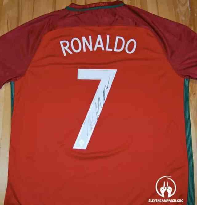 Cristiano Ronaldo Portugal 2016 home shirt-sportescu