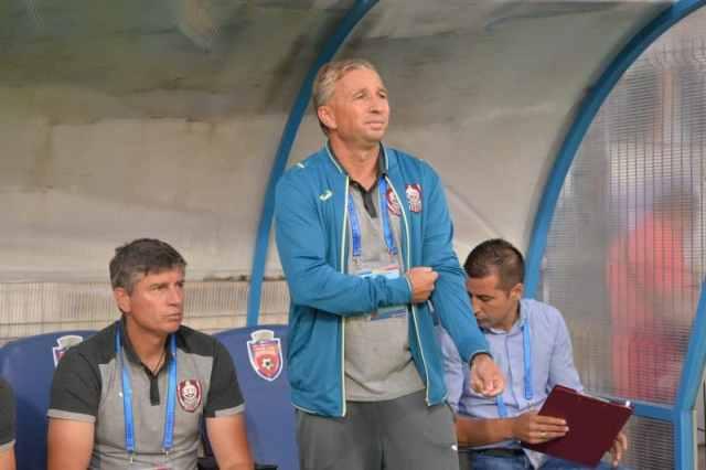 Dan Petrescu in meciul de fotbal dintre FC Botosani si CFR Cluj din etapa 1 a Ligii 1 Orange, disputat pe stadionul Municipal din Botosani, luni 17 iulie 2017. IONUT TABULTOC / Sport Pictures