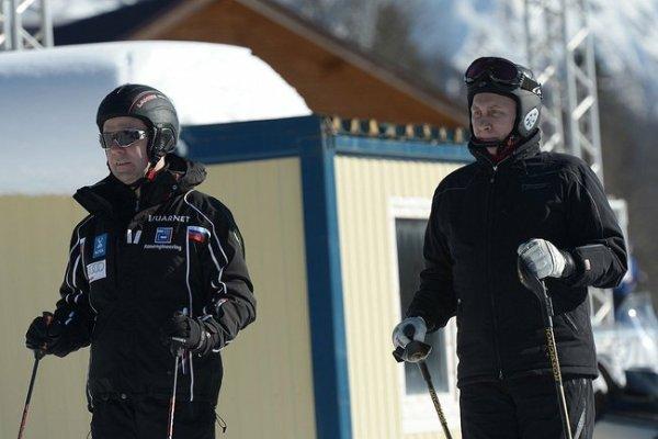 Dmitry Medvedev et Vladimir Poutine
