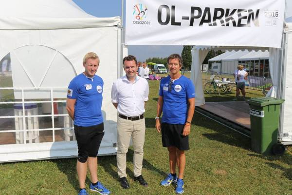 Oslo 2022 - stand promotionnel à la Norway Cup