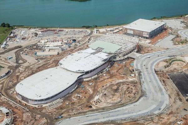 Vue aérienne des trois Arénas Cariocas, la première étant située en bas à gauche (Crédits - Renato Sette Camara / Prefeitura do Rio)