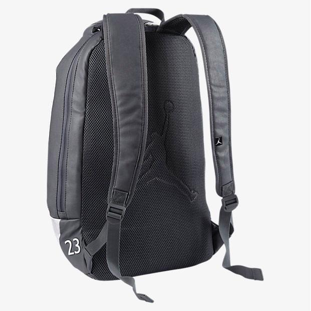 545bc675ffeffe air-jordan-12-wolf-grey-backpack-back