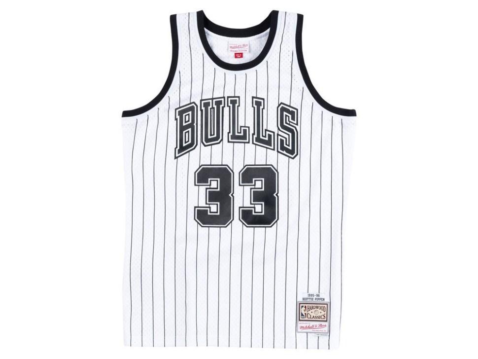 1771f84b7 jordan-11-concord-mitchell-ness-bulls-pippen-jersey-