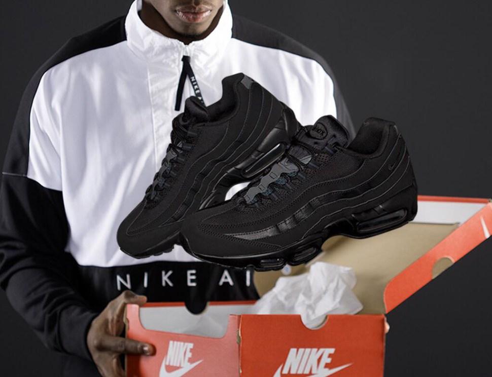 55f705a96a1 Nike Air Max 95 Triple Black and Top Match