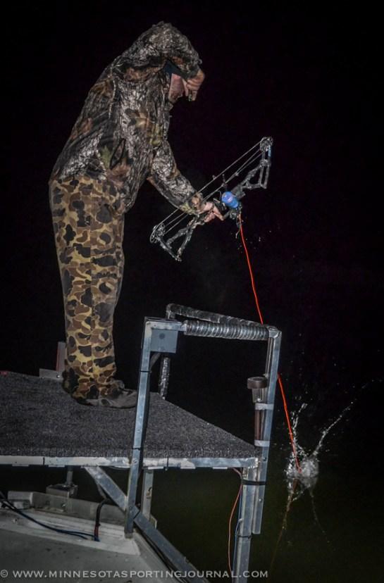 42214 - bowfishing minnesota archery matt jeremy-18